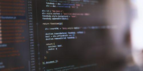 何万行にもなるソースコード