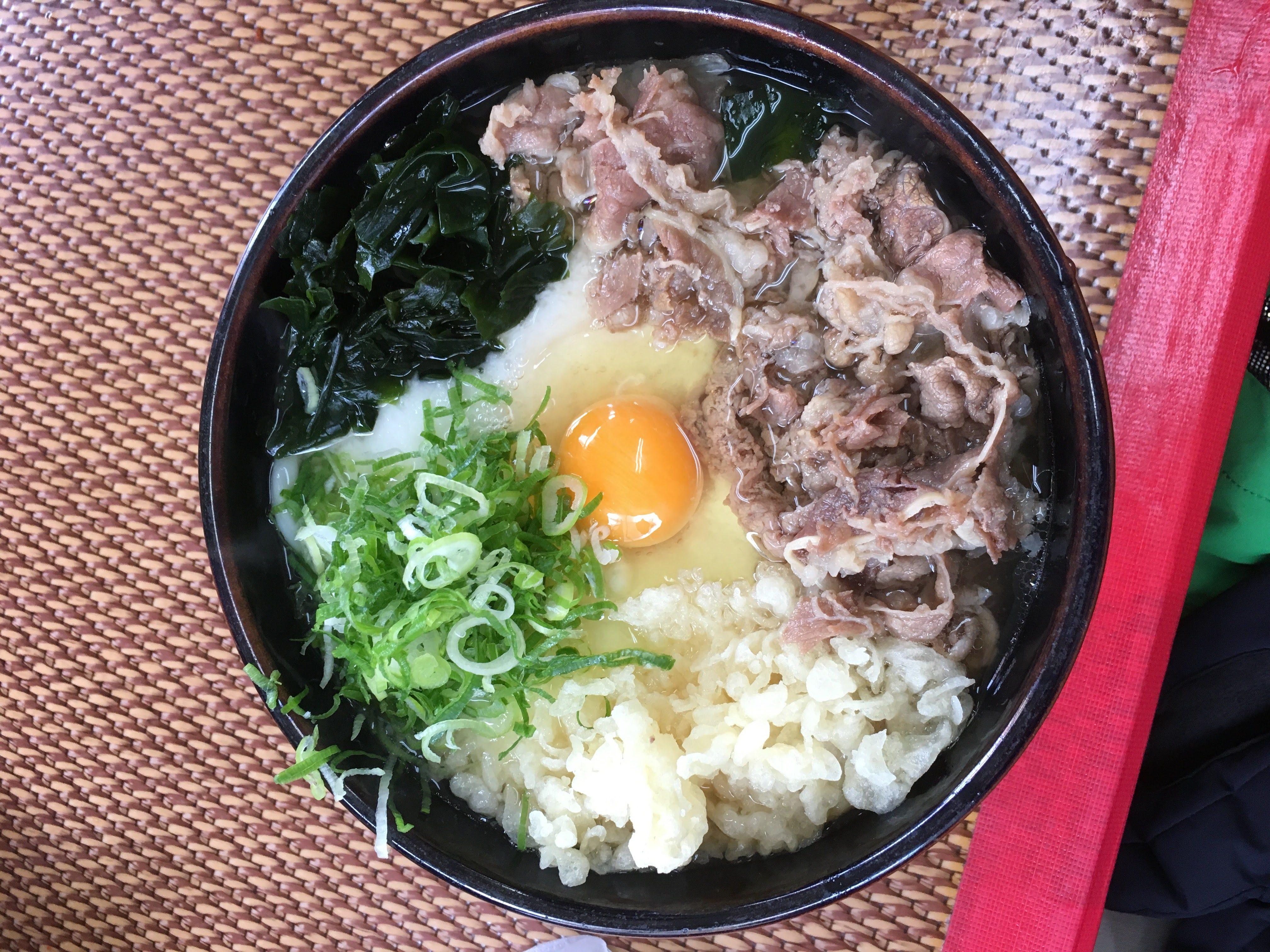 天ぷらうどんの肉玉あんかけうどん